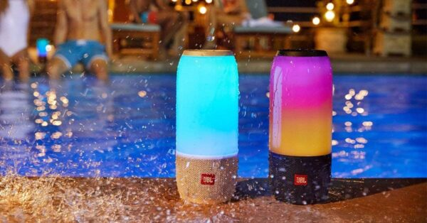 JBL Pulse 3 Wireless Portable Speaker with Vibrant Lightshow (Black)-5789