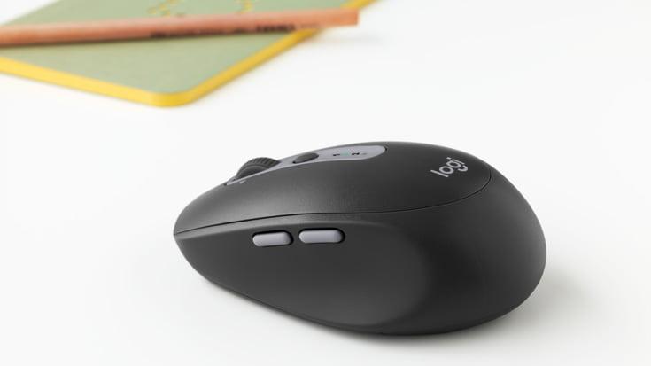 M590 on Desk